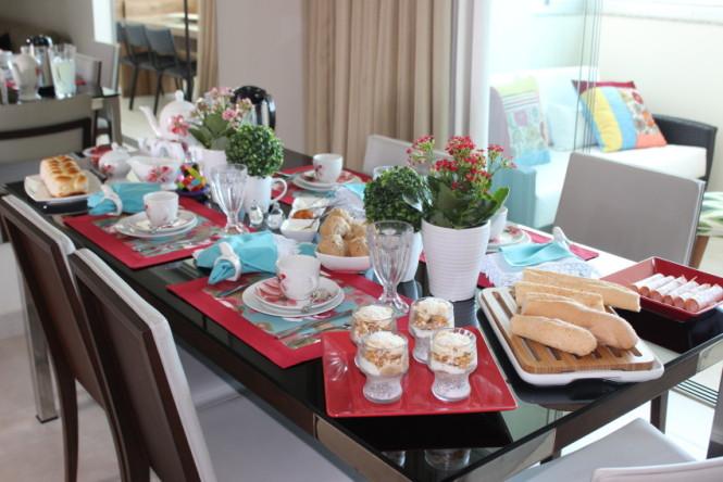 Mesa do dia caf da manh para uma amiga especial vida for Modelos mesas para cafeteria
