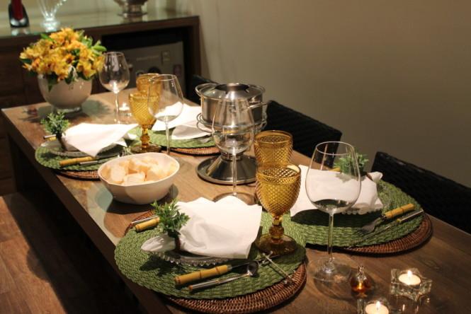 mesa posta noite de fondue