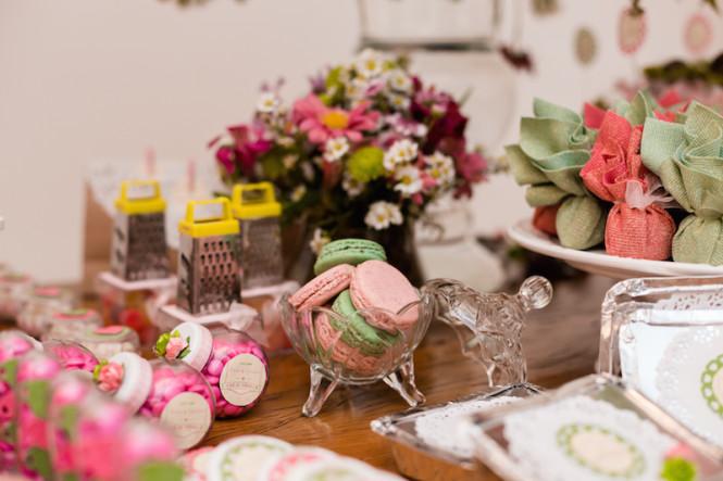 decoração de chá de panela verde e rosa (37)
