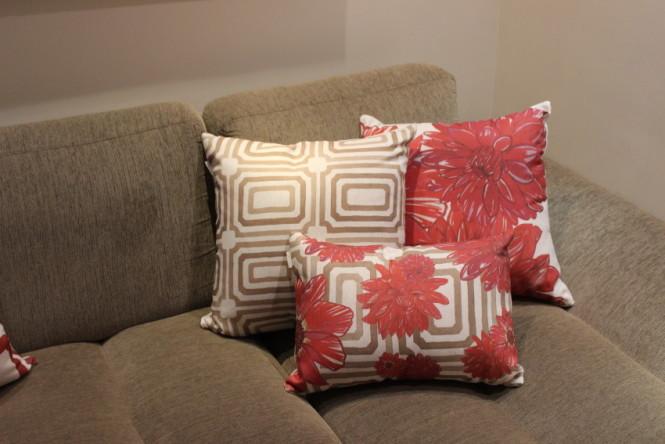 almofadas vermelhas