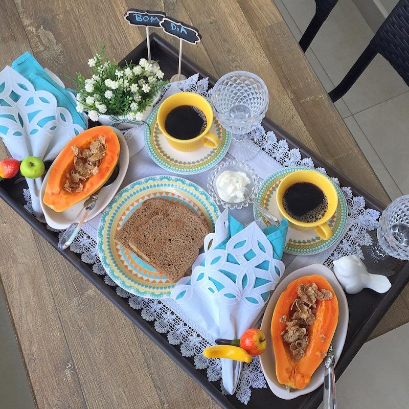 Arquivo para bandeja de caf da manh vida de casada for Modelos de mesas para cafeteria