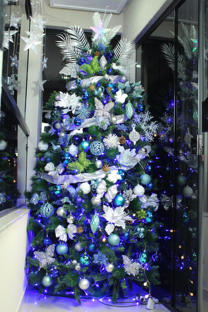 arvore de natal azul e verde
