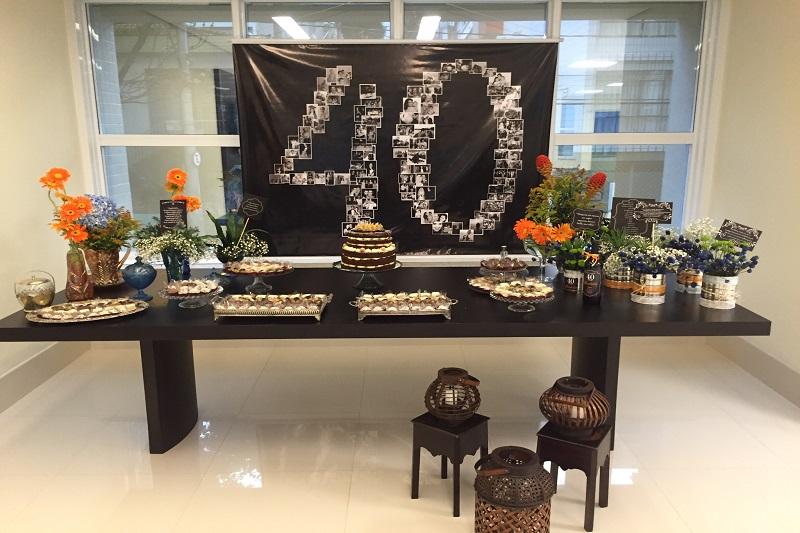 decoracao de mesa aniversario 40 anos
