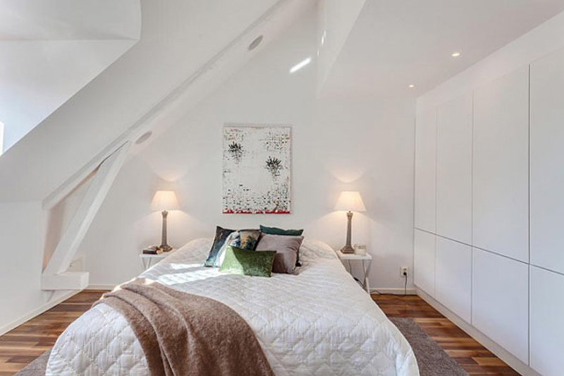 quarto pequeno com Cores claras