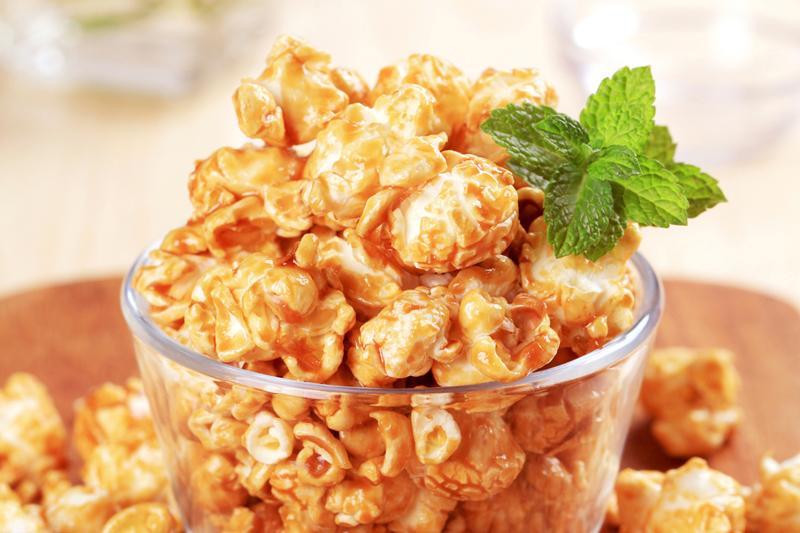 comidas de festa junina pipoca caramelizada