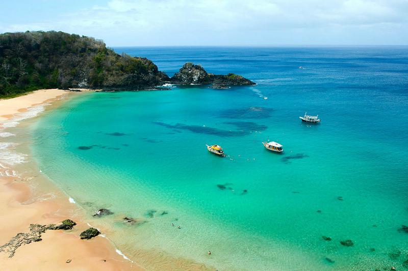 melhores praias do Brasil baia do sancho