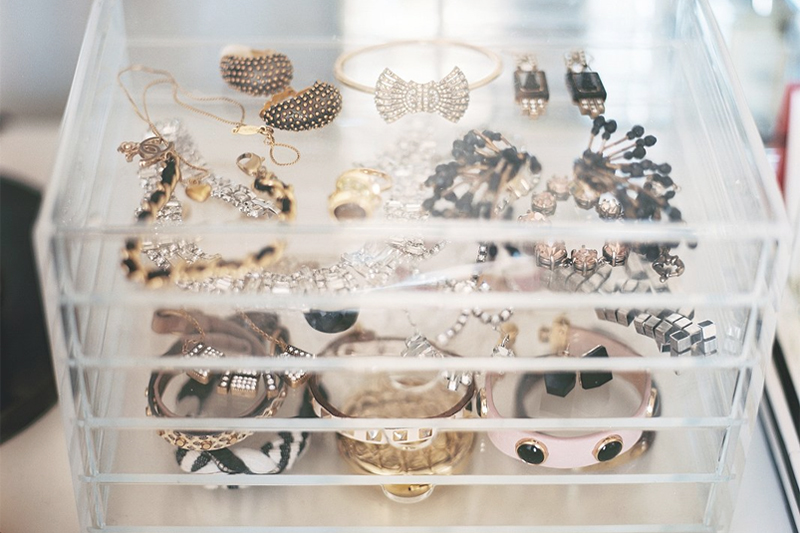 formas de organizar suas bijuterias