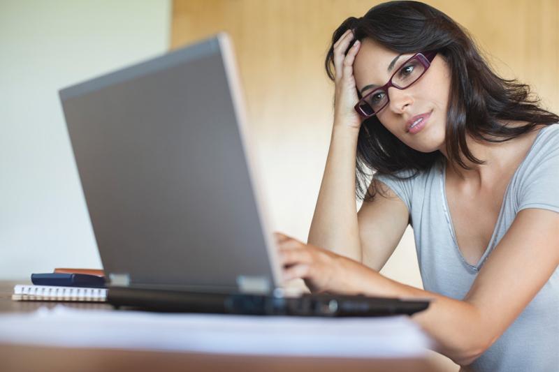 habitos ruins passar o dia na frente do computador