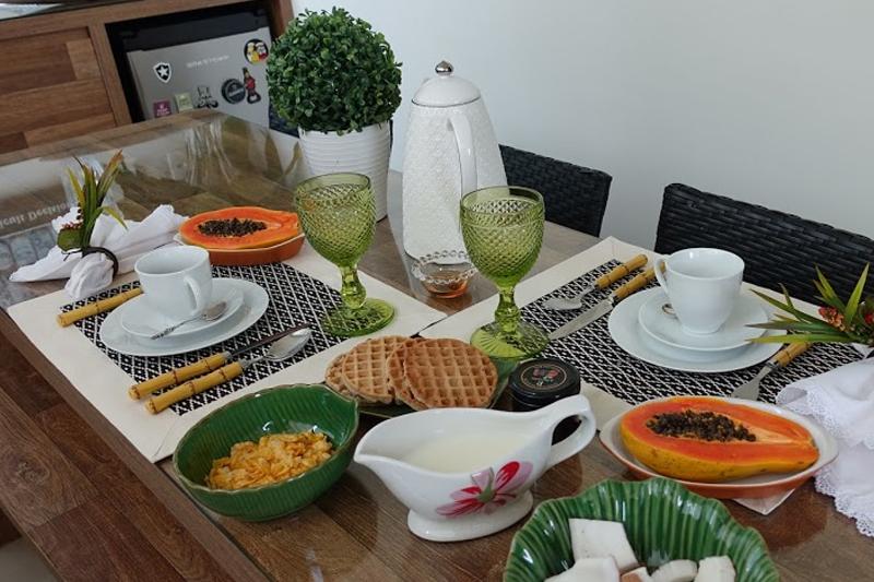 decoracao de mesa cafe da tarde ou cafe da manha