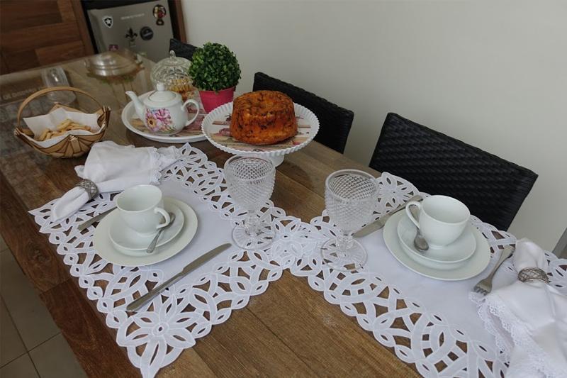 mesa posta para cafe da manha