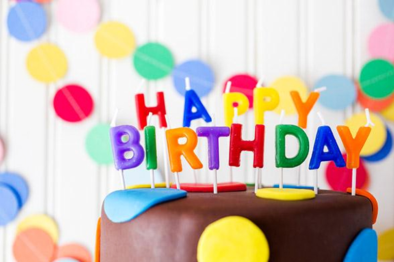 festa aniversario bolo de chocolate