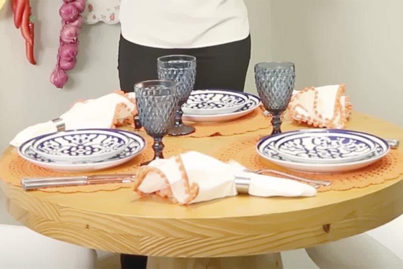 mesa posta para almoco facil para as amigas