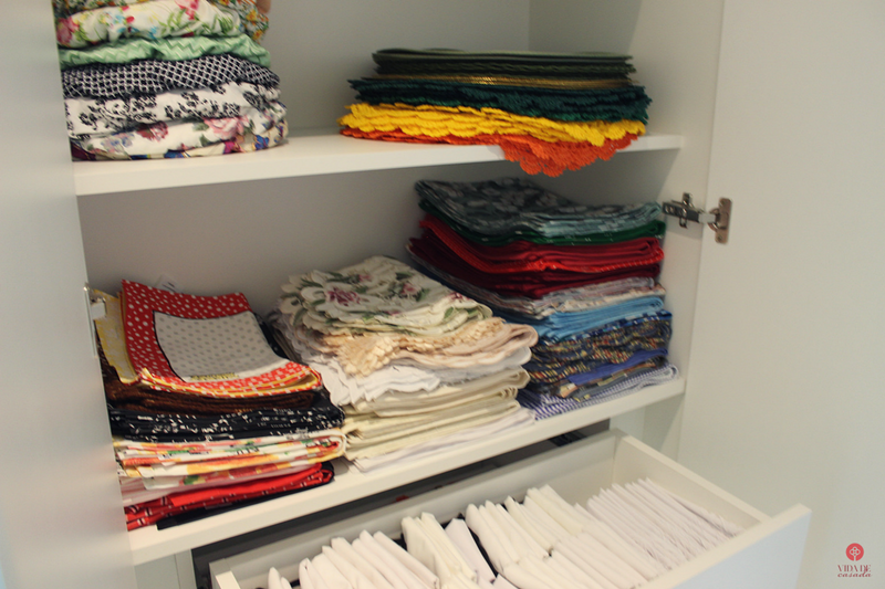 armario de roupas de mesa