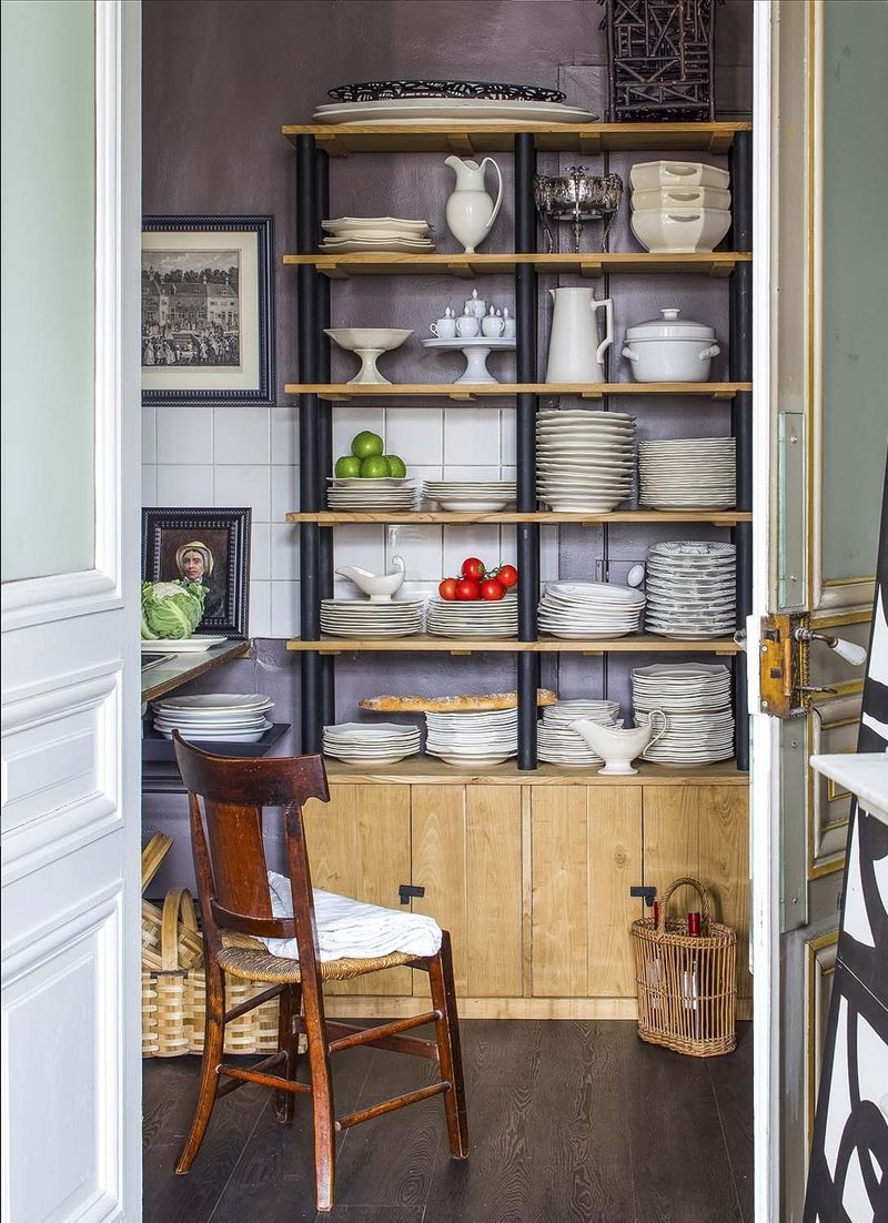 decoracao rustica com moveis abertos na cozinha