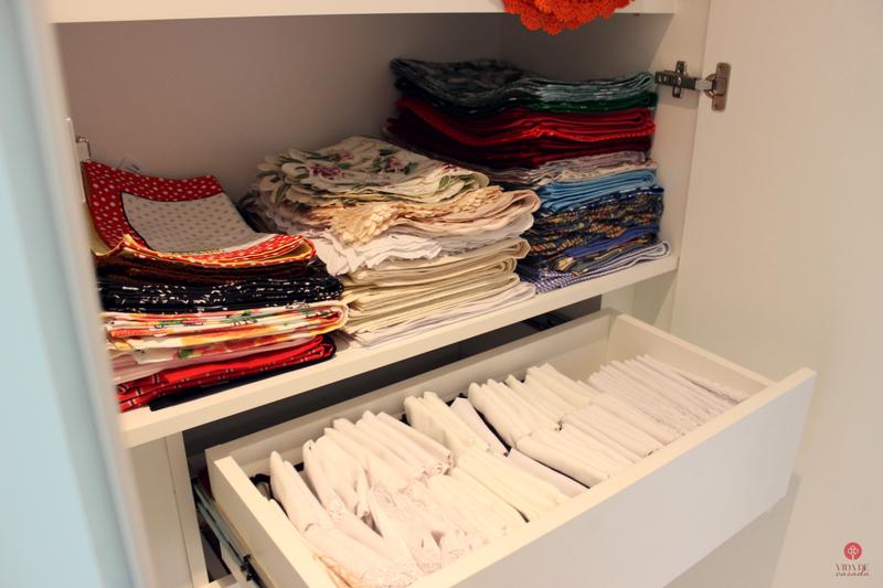 tour pelo armario de roupas de mesa