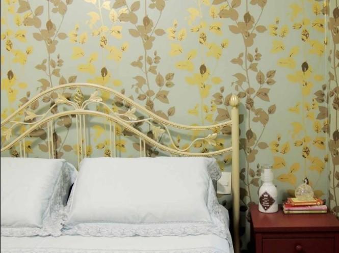 Papel de parede no quarto 3