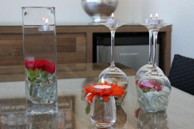 Arranjos com flores e velas