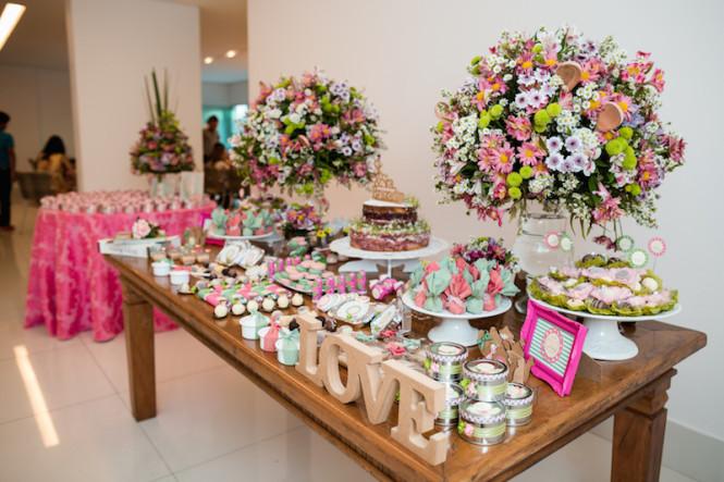 decoração de chá de panela verde e rosa (5)