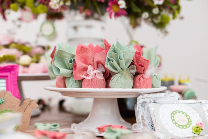 decoração de chá de panela verde e rosa (53)
