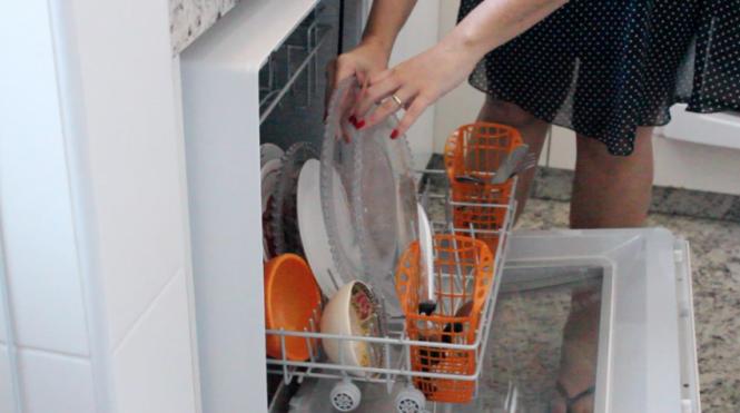 louças na maquina de lavar