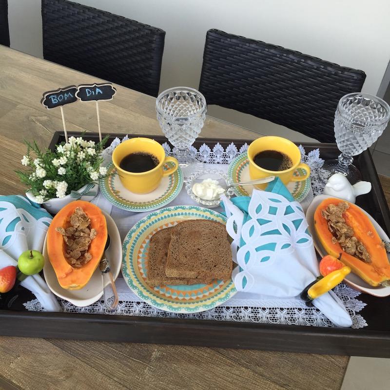 Bandeja De Café Da Manhã Para O Marido Vida De Casada