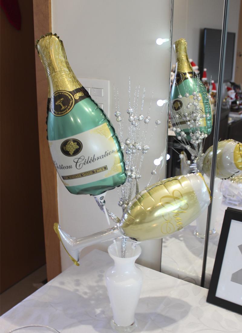 decoracao de ano novo com baloes personalizados
