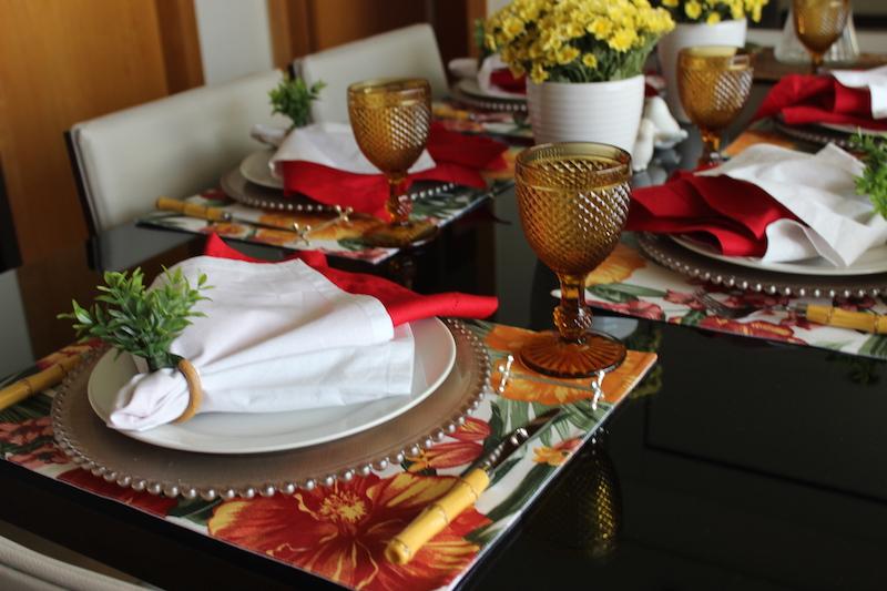 mesa posta colorida