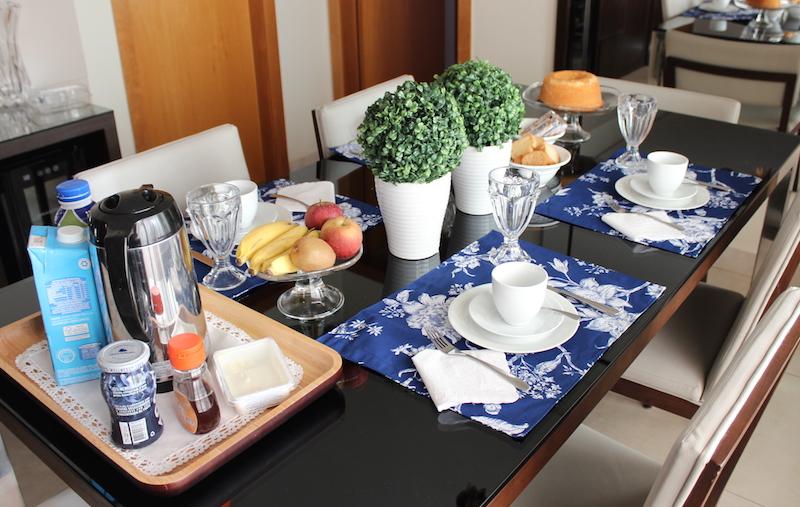mesa de cafe da manha basica