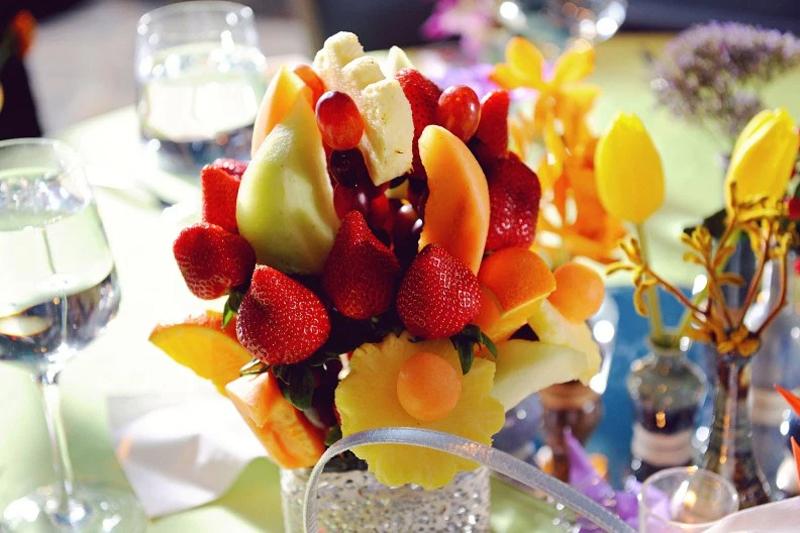 centro de mesa de frutas