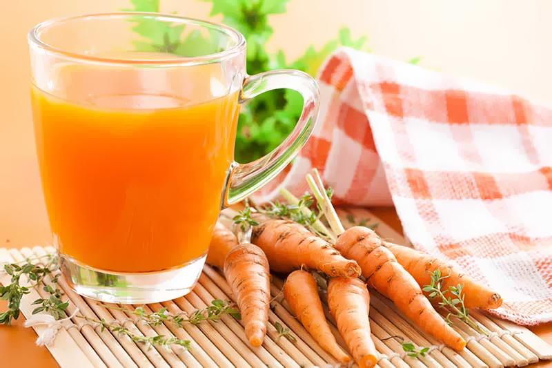 suco natural de cenoura para energia