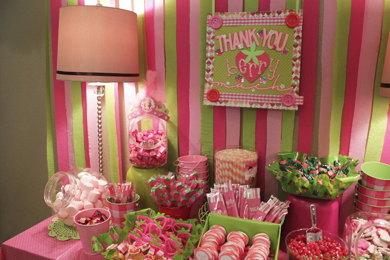 ideias para decoracao de festa infantil Moranguinho