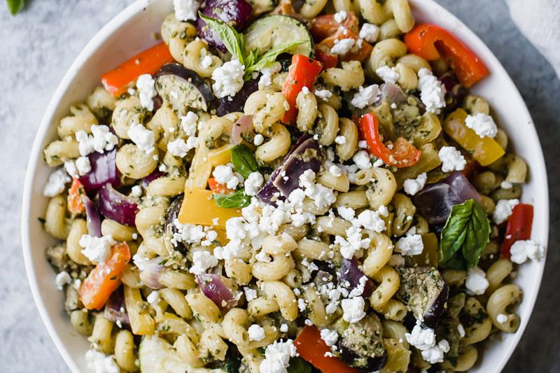 receita vegana de massa com legumes