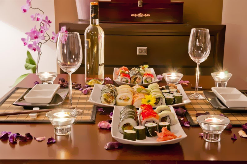 jantar romântico com temática de culinária japonesa