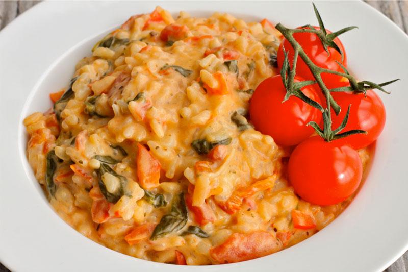 receita fácil de risoto com tomate e queijo