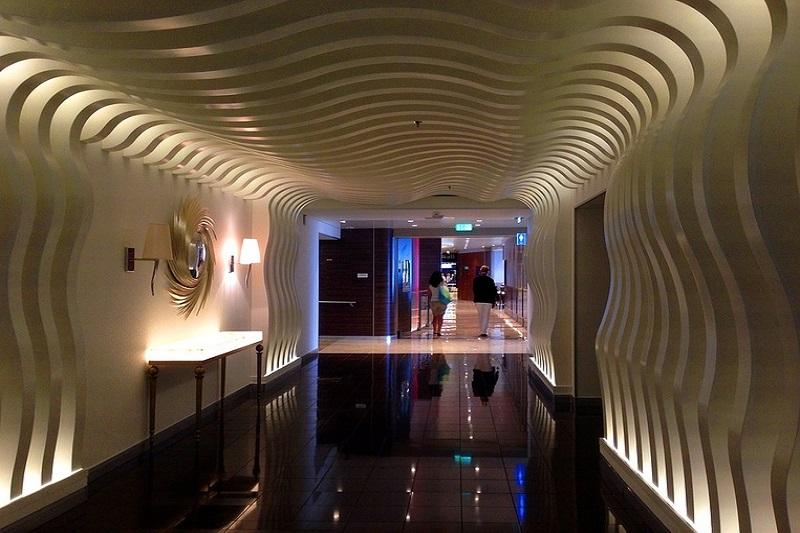 Lobby de um cruzeiro