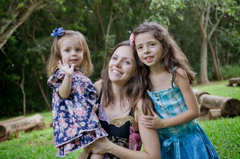 Mãe e duas filhas