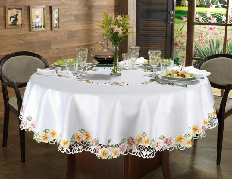 toalhas de mesa redonda e com flores