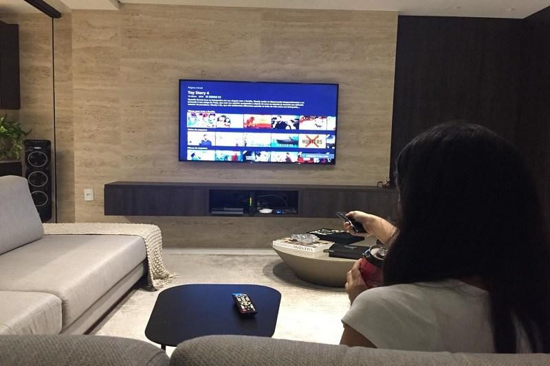 Assistindo Filme