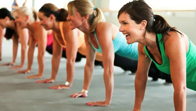 gym-women-planking