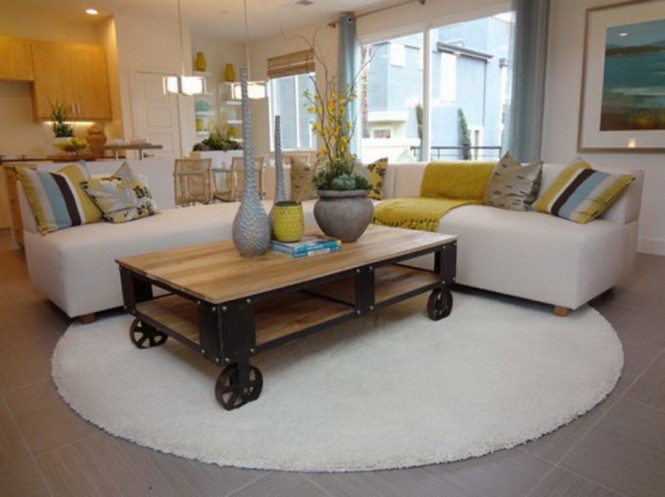 round-carpet-ideas-for-family-room-915x685